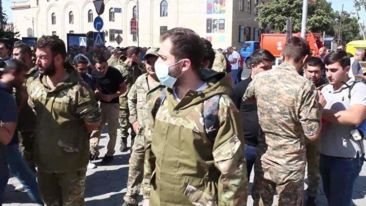 Ermenistan ordusunda çatışmaları için gönüllü militanlara yönelik para ödenmesinin yanı sıra farklı ayrıcalıklar da tanınıyor.