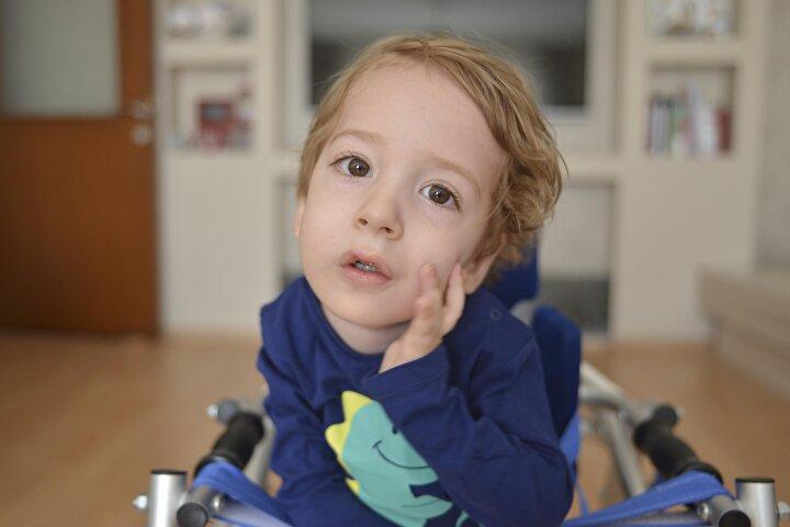 İsmail Çağan, ABDde 2 yaş altı SMA hastalarına uygulanan gen tedavisi fırsatını yaş kriteri nedeniyle kaçırdı. Aile, 2 yaşını dolduran çocukları için Avrupa Birliği ülkelerinde 21 kilogramın altındaki çocuklara uygulanan ve 13,5 kilogramın altındaki çocuklarda yüzde 95 oranında başarı sağlayan gen tedavisi için 4 Eylülde yardım kampanyası başlattı.