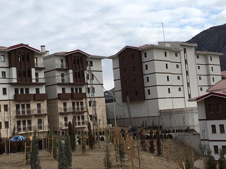 1892 yılına kadar 3 kez yerleşim yeri değişen Yusufelinin eski adıyla Kiskim olan ilçe merkezi Öğdemden Ersise taşındı. 29 Haziran 1926 tarihinde çıkarılan kanunla da yerleşim merkezi, yeniden Ersisten Öğdeme nakledildi.