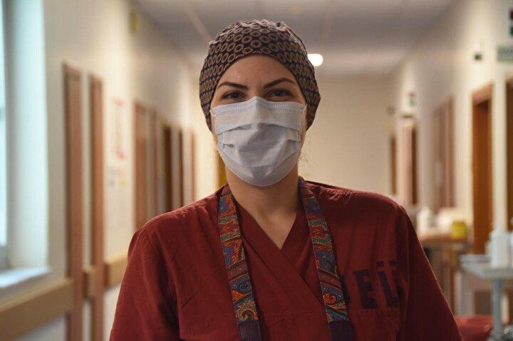 Rektörlük ve hastane yönetimi tarafından beğenilen fotoğraflar Dokuz Eylül Üniversitesi Hastanesinin dergisinde yayınlandı ve hastane arşivine konuldu.