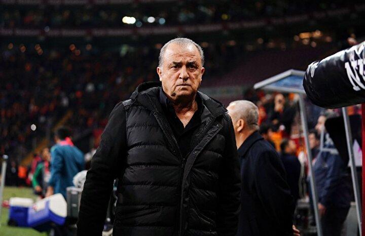 Galatasaray her gün geriye gidiyor. Bu kadar şampiyonluğa oynar ama her gün bir geri gidiş var.