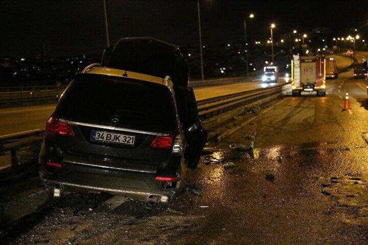 Kontrolden çıkan tır, sol şeritte seyir halinde olan Düzgün Kolçak yönetimindeki 34 BJK 321 plakalı Mercedes marka tırı sıkıştırdı.