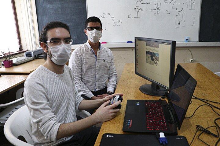 Bu seneki yarışma çalışmalarımızın başında pandemi yoktu ve aracımızı üretmeyi planlıyorduk. Ancak pandemi süreci başladı. Bundan sonra da yarışma online bir hal aldı. Yarışmada bize orada bir araç temin edildi. Biz burada temin ettiğimiz algoritmalarla yaptığımız kodlamalar sayesinde aracı uzaktan kontrol edebildik.