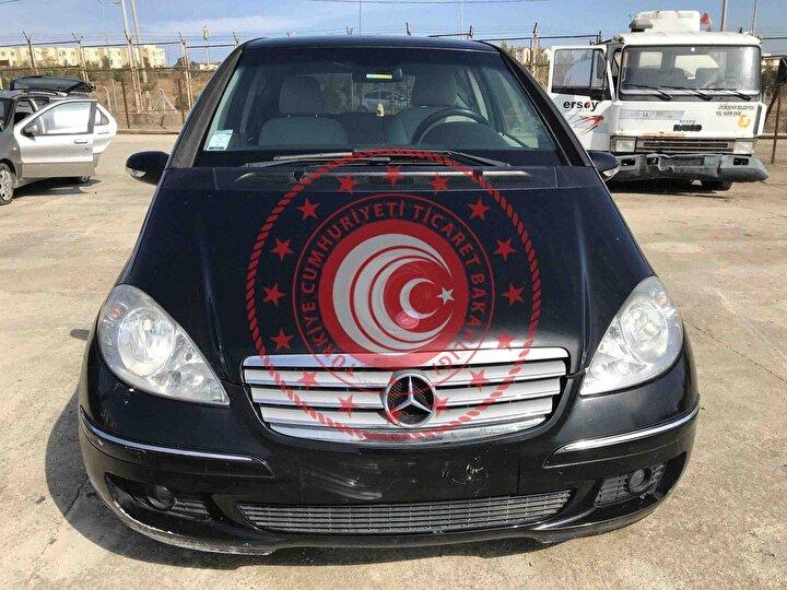 2006 model Mercedes / 155 bin km / İhale bitiş tarihi: 27 Ekim 2020 / İhale fiyatı 91 bin TL.