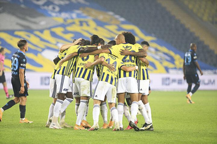 Fenerbahçe, Kadıköyde 1-0 geriden gelerek Trabzonsporu 3-1 mağlup etti.