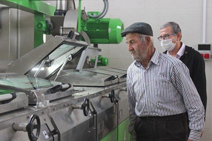 Türkiyeye örnek olacak girişimcilik örneği Mudanya ilçesi Esence köyünde yaşandı. Uzun yıllar zeytincilik yapan çiftçilerin en büyük sıkıntısı ürünlerini aracı olmadan pazarlamaktı.