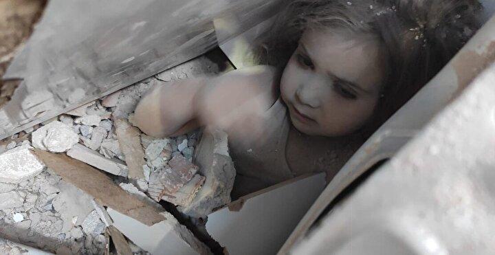 Enkazdan kurtarılan 107. kişi olan çocuğun adının Ayda Gezgin olduğu öğrenildi.
