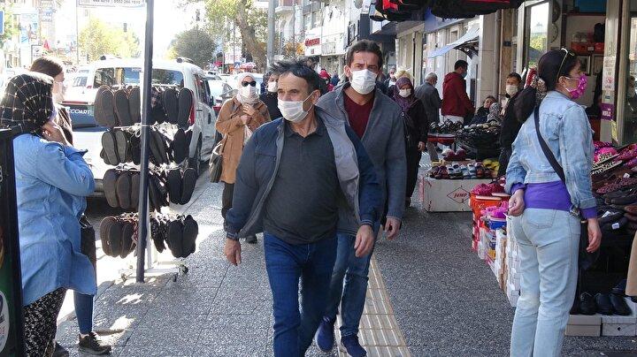 Balıkesir Valisi Hasan Şıldak Başkanlığında toplanan İl Umumi Hıfzıssıhha Kurulu, kentte artan koronavirüs vakalarına karşı yeni kararlar aldı.
