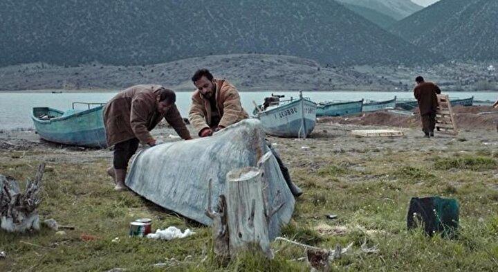 Onur Dilber, Münibe Millet, Serkan Altıntaş ve Sami Aksunun başrollerinde oynadığı filmin senaryosunu yönetmen Seyid Çolak, Güven Adıgüzel ile birlikte kaleme aldı.