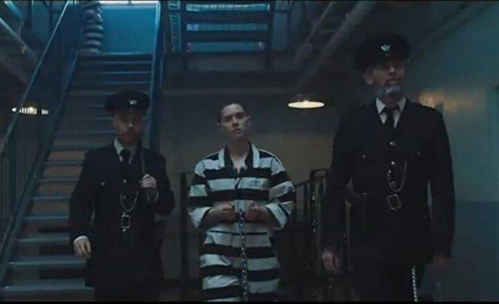 İngiltere yapımı film; St. Leonards Adasında tecrit edilen azılı suçlular üzerinde uygulanan ekstrem tıbbi deneylerin dehşetengiz sonuçlarıyla mücadele edilmesini anlatıyor.