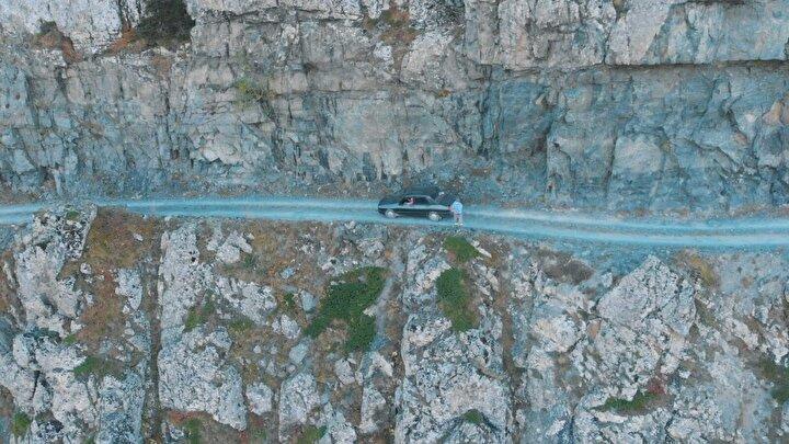 Derebaşı virajları diye bilinen yol, Trabzon ile Bayburtu, en yakın yer olan 3 bin metre yükseklikteki Soğanlı Dağı üzerinden birbirine bağlıyor.