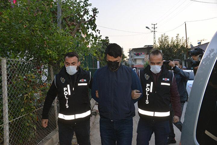 Operasyonda gözaltına alınan şüpheliler, Adli Tıp Birimi'ndeki sağlık kontrollerinin ardından sorgulanmak üzere emniyete götürüldü.