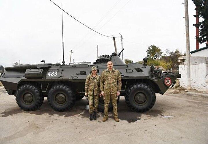 Cumhurbaşkanı Aliyevin kendi kullandığı aracıyla bölgeyi incelediği görüldü.