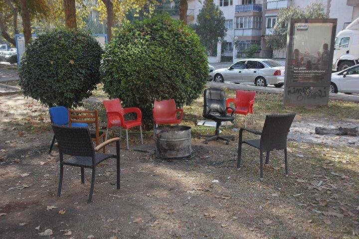 Depremin yııma neden olduğu bölgede sessizlik hakim