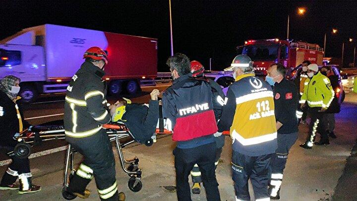 Sağlık ekiplerinin olay yerinde yaptığı ilk müdahalenin ardından 7 yaralı Bolu ve Düzce'de bulunan hastanelere kaldırılarak tedavi altına alındı.Kazayla ilgili olarak soruşturma başlatıldı.