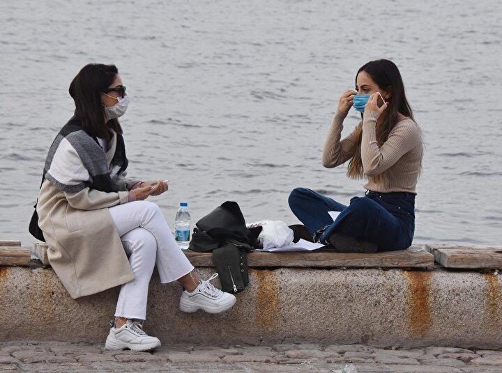 Üsküdar Sahili ve Kadıköy'de bulunan Caddebostan ve Moda Sahili'nde yoğunluk oluştu.