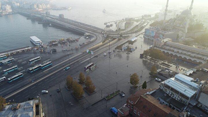 Galata Köprüsü, Eminönü ve Sultanahmet Meydanındaki sakinlik havadan görüntülendi.