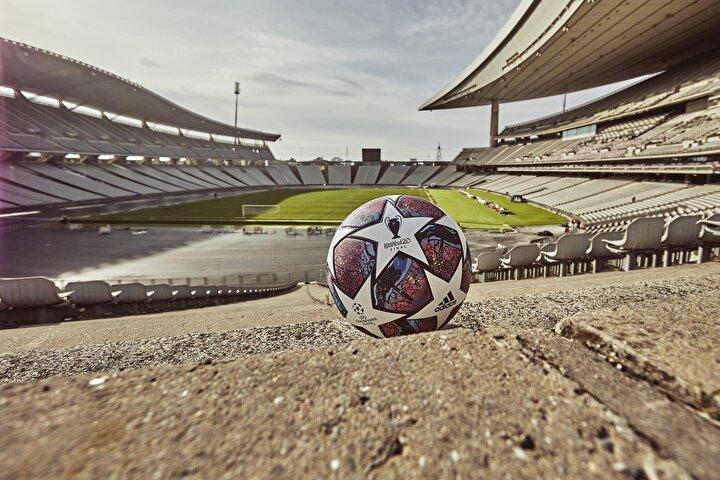 Sezonun sonunda Şampiyonlar Ligine ev sahipliği yapacak olan Atatürk Olimpiyat Stadyumu, dev final için hazır hale getirildi.