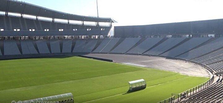 Kapsamlı bir yenileme çalışması gerçekleştirilen stadyumda en büyük sorun rüzgar konusuydu. Yetkililer bu sorunu çözebilmek için stadyumun kale arkalarına dev paneller yerleştirdi.