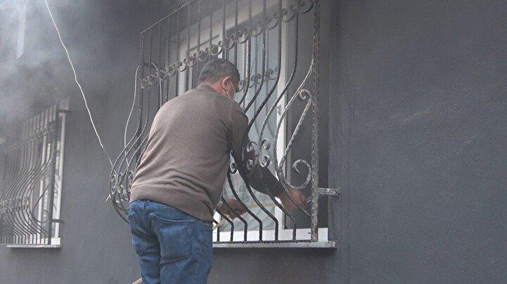 Edinilen bilgiye göre elektrikli ısıtıcının fişe takılı kalmasından dolayı evde yangın çıktı.