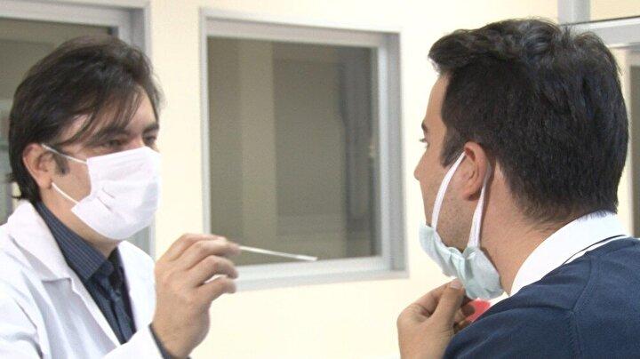 Bilkent Üniversitesi Ulusal Nanoteknoloji Araştırma Merkezi (UNAM) bünyesinde çalışmalarını sürdüren Türk bilim insanları, Covid-19'da hastanın hemen tespit edilip izole edilebilmesi için hızlı tanı kiti geliştirdi.
