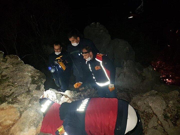 Kaya parçasının altında kalan çoban hayatını kaybetti