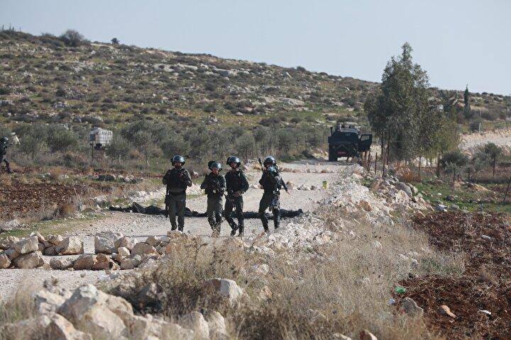 Uluslararası hukuka göre, işgal altındaki topraklarda bulunan tüm Yahudi yerleşim birimleri yasa dışı kabul ediliyor.