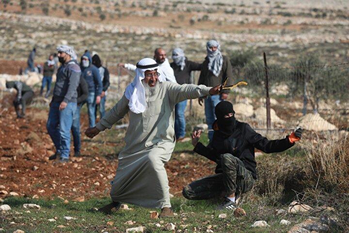 İsrailin 1967de işgal ettiği Batı Şeriada 250den fazla yasa dışı Yahudi yerleşim birimi bulunuyor.