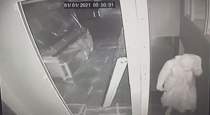 Süleyman T.nin, cipi çaldığı iş yerine kadın elbisesiyle girmesi ve içeride dolaşması güvenlik kameralarına da yansıdı.