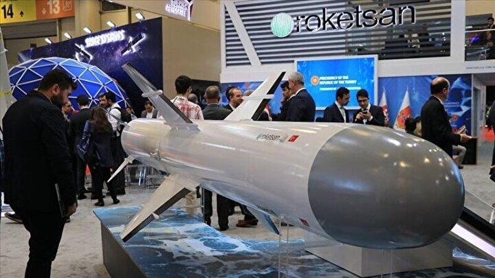 Türk Deniz Kuvvetleri Komutanlığı'nın ihtiyaçları kapsamında harekete geçen Roketsan, 2009 yılında kolları sıvayarak işe koyuldu. Kasım 2018deki ilk başarılı testten sonra çok sayıda teste tabi tutulan Atmaca tüm testleri başarıyla geçti.