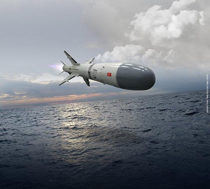 Milli olarak geliştirilen füze 350 mm çapa, 1,4 metre kanat açıklığına da sahip bulunuyor.  800 kg ağırlığındaki füzenin menzili ise 250 kmyi buluyor.