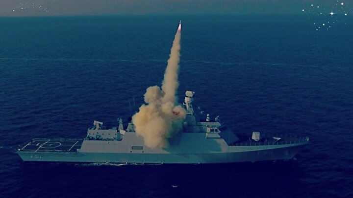 Savaş gemilerini ve diğer transport gemilerini vurmak için güdüm teknolojisinin kullanıldığı füze donanmaya da yeni bir saldırı sistemini kazandıracak.