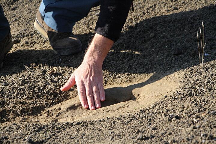 Manisadaki jeopark alanında ayak izi ve küllerin geçmişi araştırıldı