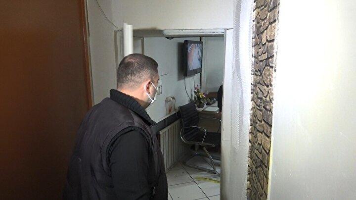 Bursa Emniyet Müdürlüğü Osmangazi İlçe Emniyet Müdürlüğü ekipleri, kapalı olan lokalin faaliyet gösterdiğine dair ihbarı değerlendirerek baskın düzenledi.