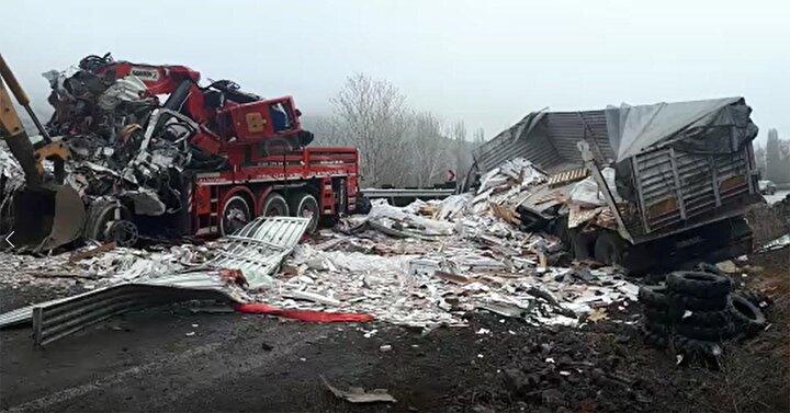 Kaza, sabah saatlerinde Aydıncık-Zile yolunun Kırkdilim köyü mevkiinde meydana geldi.