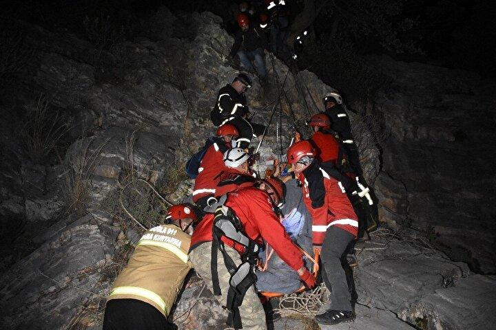 Ekipler, Zırh'ı kurtarmak için halat tekniği ile düştüğü kayalıklara indi. Sedyeye alınan Zırh'ın düştüğü kayalıklardan alındı. 8 saat süren kurtarma operasyonunun ardından Zırh, araç girecek yola kadar 2 saat boyunca sedye ile taşındı.