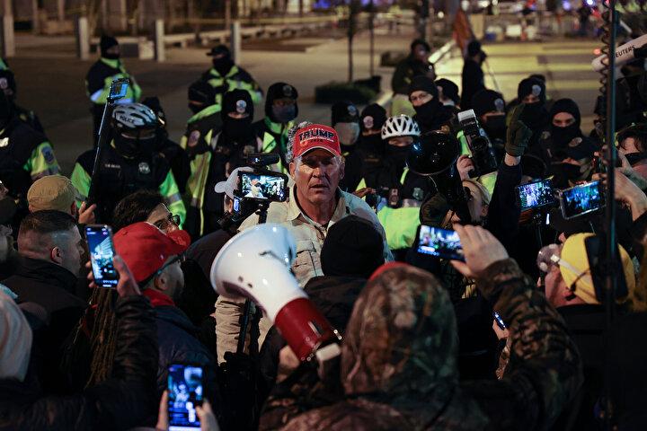 ABDde Trump destekçilerinin gösterisi nedeniyle Kongre binası kapatıldı