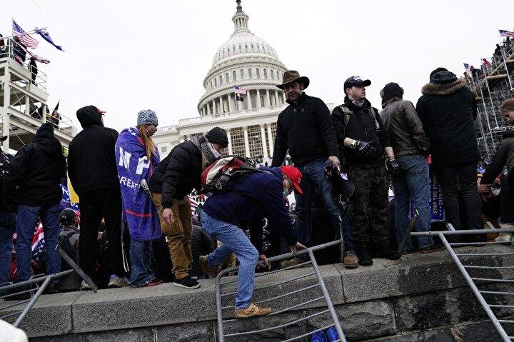 Washingtonda ABD Başkanı Donald Trumpı desteklemek için bir araya gelen göstericiler, Trumpın konuşmasının ardından Kongre Binasına yürüyüş düzenledi.