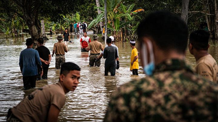 Sel mağdurlarının sayısı Pahangda 27 bin 73, Terengganuda 12 bin 899, Kelantanda 6 bin 319, Perakta 359, Johorda 1422 ve Sabahta 36 olarak kaydedildi.