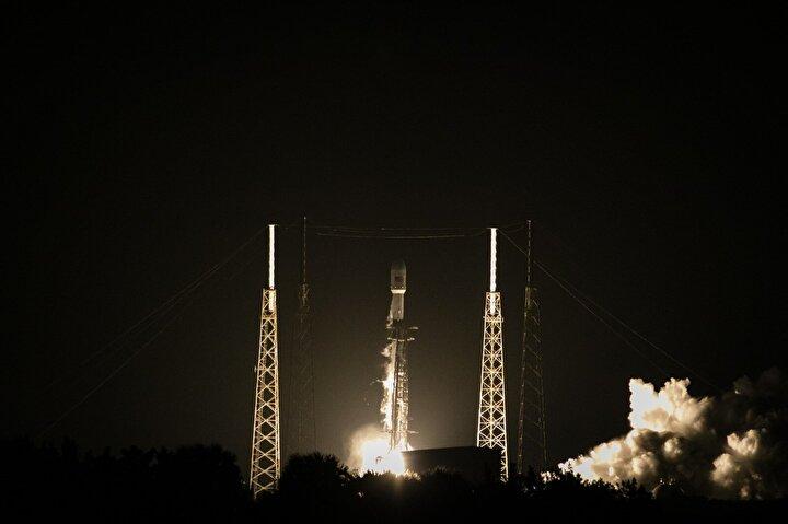 Türksat 5A uydusu, SpaceX firmasına ait Falcon 9 roketiyle ABDnin Florida eyaletindeki Cape Canaveral üssünden başarılı şekilde fırlatıldı.