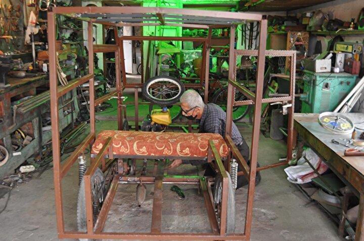 Havran ilçesine bağlı kırsal Çamdibi Mahallesinde yaşayan soğuk demir ustası Cemalettin Efe, ilginç icatları nedeniyle mucit dede olarak anılmaya başlandı.