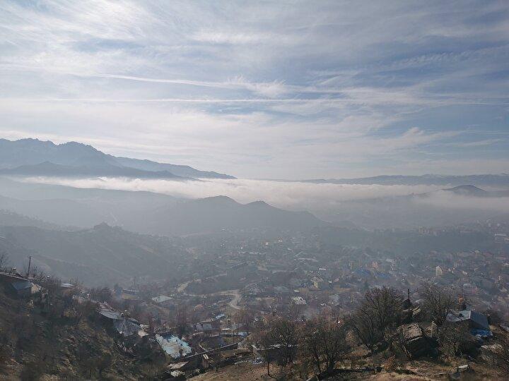 Tunceli'nin 1200 rakımlı Düldül Tepesinde sis manzarası