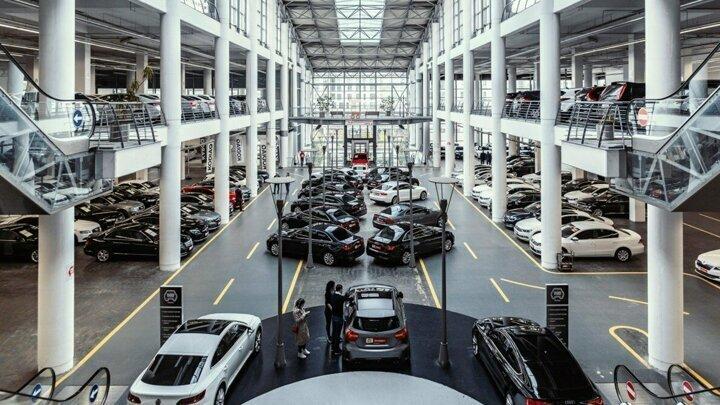 Türkiyede herhangi bir üretim tesisi bulunmayan VW markalı araç satışı 304 bin 780 adet olurken, VWnin ikinci el online satışlarda pazar payı yüzde 15 olarak belirlendi.