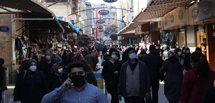 Öte yandan Gaziantepte dün yapılan denetimlerde sokağa çıkma kısıtlamasını ihlal ettiği belirlenen 360 kişiye 900er lira idari para cezası uygulandı.