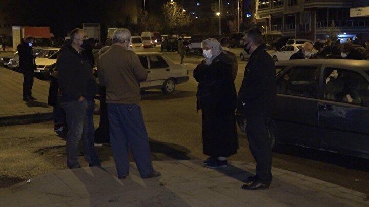 AFAD verilene göre, saat 22.53'de merkez üssü Ankara'nın Kalecik ilçesinde 4.5 büyüklüğünde deprem meydana geldi. Yerin yaklaşık 13 kilometre altında yaşanan deprem, Kırıkkale'de de hissedildi.