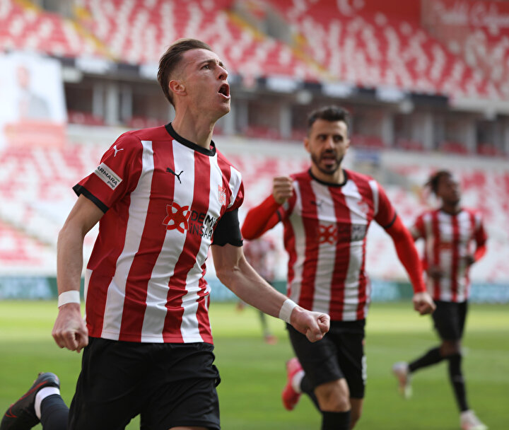 Hakan Arslan (Sivasspor): 9 puan