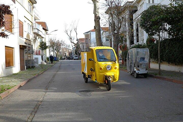 Bakanlık, Türkiyenin en köklü kurumlarından biri olan PTTnin İstanbulun Adalar İlçesinde yenilikçi bir uygulamayı hayata geçirdiğini belirterek; bundan böyle PTTnin çevre dostu elektrikli araçlarının İstanbulun Adalar İlçesinde hizmet vereceğini açıkladı.