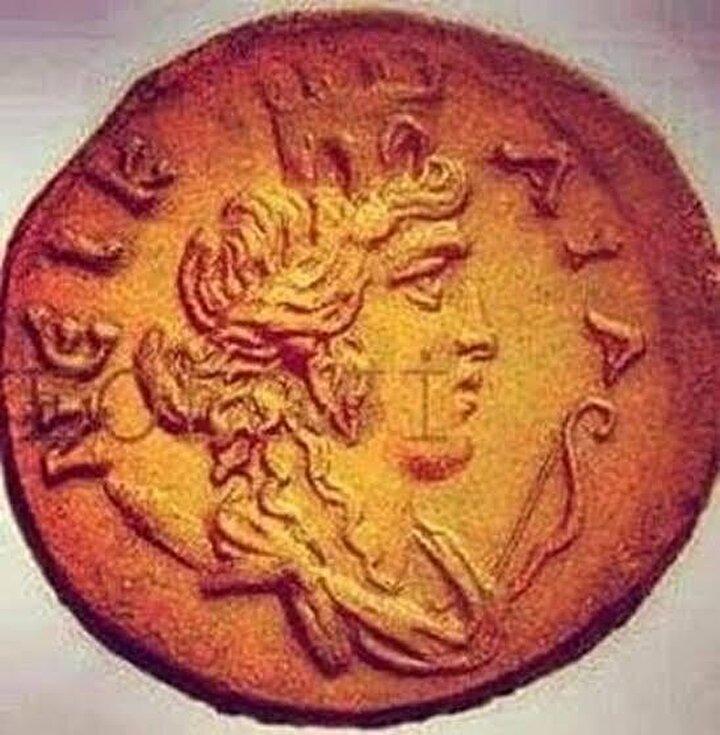 O günden sonra Nikaia olarak anılan İznik'te bugün kazıların yapıldığı alanda kraliçenin mezarının da olabileceği düşünülüyor.