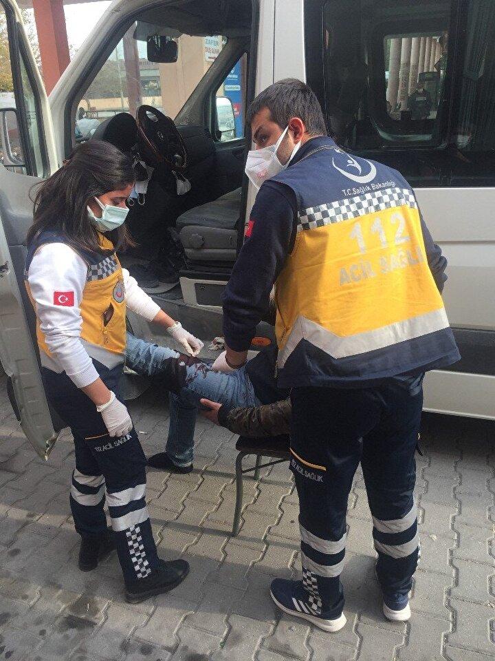 Kelebek, sağlık ekiplerinin gelmesiyle ambulansla Adana Şehir Hastanesine götürüldü.