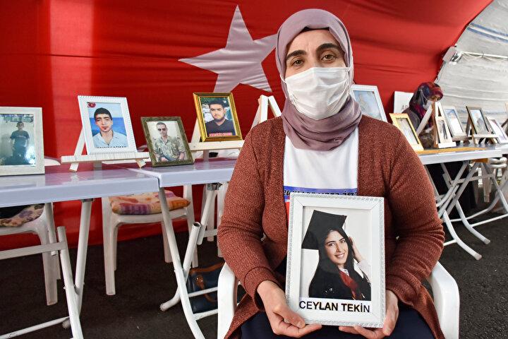 Altıntaş, Sonuna kadar, tek bir çocuk dağda kalmayana kadar buradayız. Kürtlerin PKKdan kurtulmasının tek çaresi budur. HDP, Türkiyenin, Kürtlerin partisi olsaydı bugün benim yanımda olurdu. Oğlu Yavuz için oturma eylemini sürdüren anne Sevgi Çağmar ise 6 yıldır evladının sesini duymadığını, ondan haber alamadığını kaydetti.